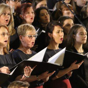 Chóralny Koncert Kolęd i Pastorałek w Legnicy (ZDJĘCIA)