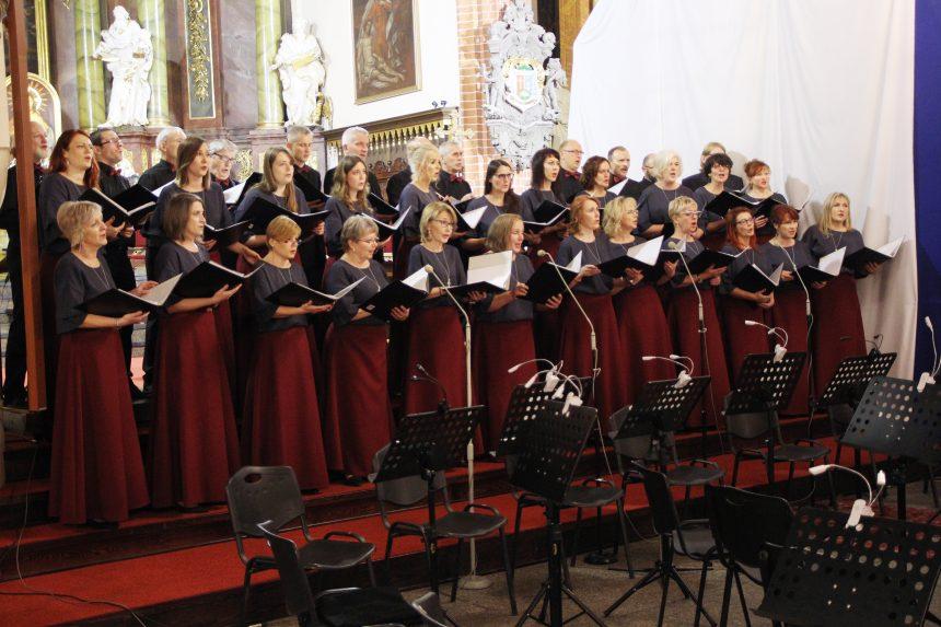 Chór Madrygał świętował 70 lat działalności (ZDJĘCIA)